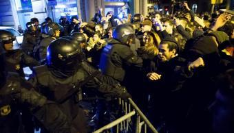 Se registran enfrentamientos en Barcelona durante visita de rey Felipe