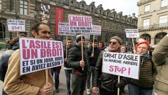 Francia endurece sus leyes contra la inmigración irregular