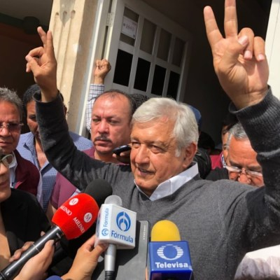 Con amor y paz, López Obrador asegura que enfrentará a adversarios
