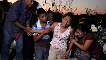 Sepultan a nueve víctimas por desplome de helicóptero en Oaxaca