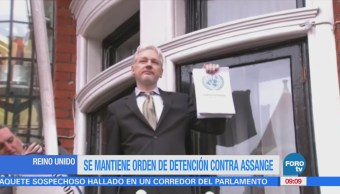 Autoridades británicas mantienen orden de detención contra Julian Assange