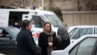 Mueren 66 personas al estrellarse su avión en Irán contra una montaña