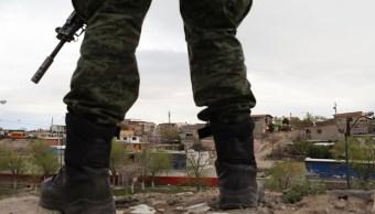 Ejército decomisa armas y drogas en Camargo, Tamaulipas