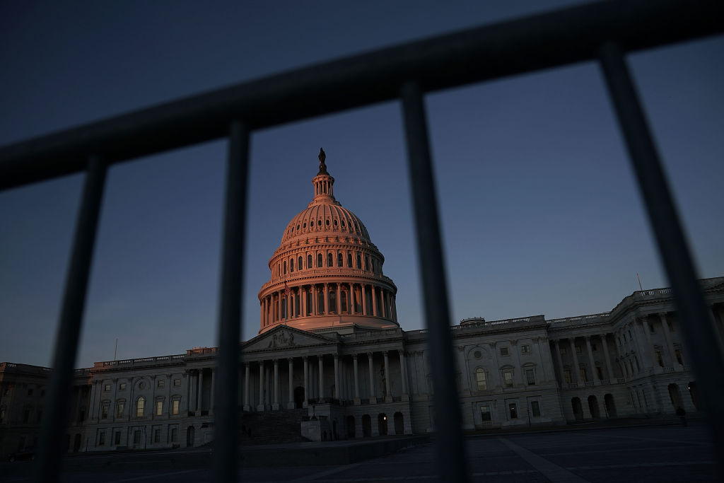 Casa Blanca advierte agencias que se preparen cierre Gobierno