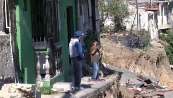 84 viviendas tienen daños tras derrumbe en colonia Lomas del Rubí, Tijuana