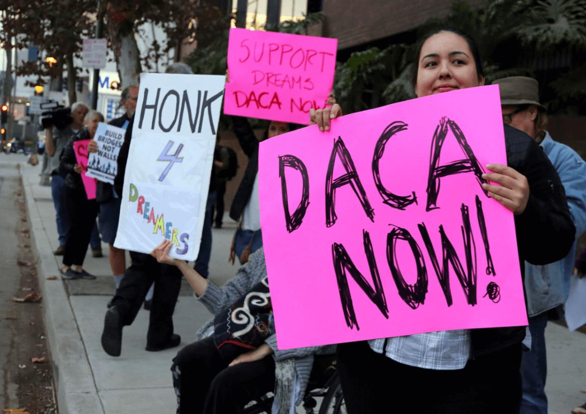 Dreamers protestan en favor del DACA