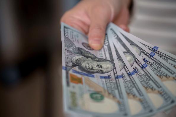 Dólar, en 19 pesos a la venta en bancos