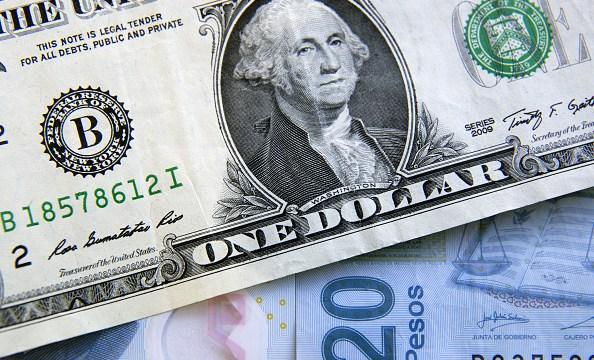 El dólar se vende en 19.11 pesos