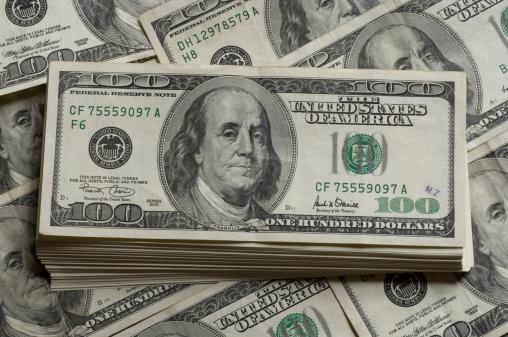Dólar se vende por debajo de 19 pesos en bancos