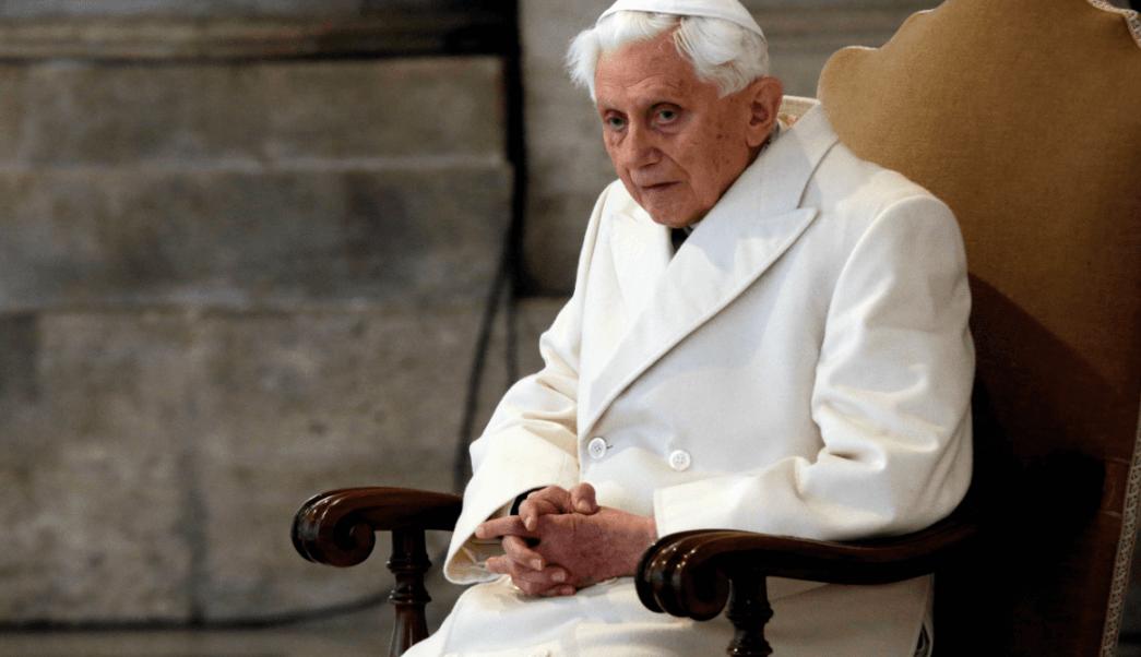 El papa emérito Benedicto XVI en la Basílica de San Pedro
