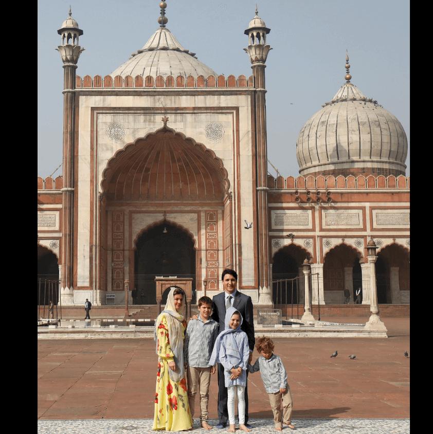 El primer ministro Justin Trudeau y su familia durante visita a India