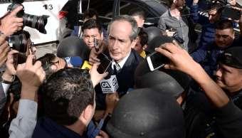 Expresidente Álvaro Colom defraudó 35 mdd Guatemala