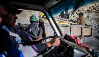 militares venezolanos chocan con mineros ilegales; reportan 18 muertos
