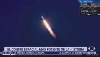 Lanzan con éxito el cohete más potente de la historia