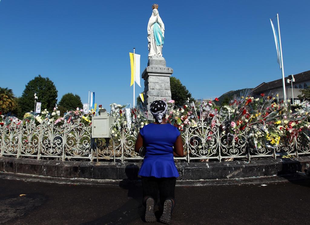 Virgen-Lourdes-Milagro-Monja