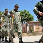 militares ayudan en la reconsutrccion de viviendas en jamiltepec oaxaca