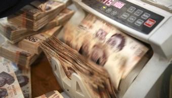 La moneda mexicana pierde por el avance del dólar