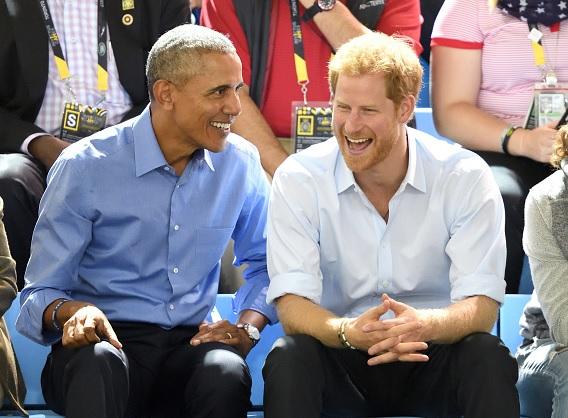 Obama es invitado a la boda del príncipe Harry, pero Trump no