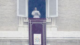 Papa pide a jóvenes participar en internet en preparación del Sínodo