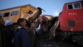 Choque de trenes deja 12 muertos y 20 heridos en Egipto