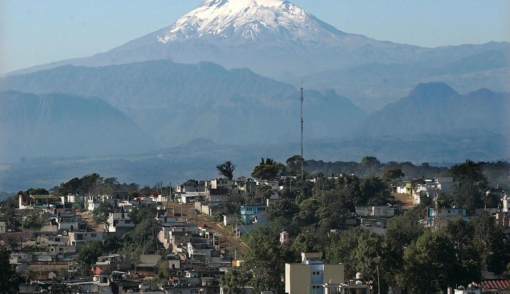 continua rescate de alpinistas lesionados en el pico de orizaba, en puebla