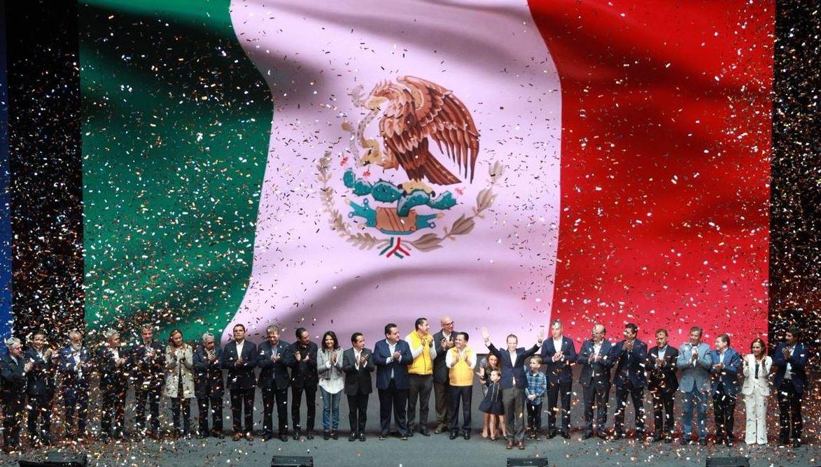 Anaya protesta como candidato de coalición 'Por México al Frente'