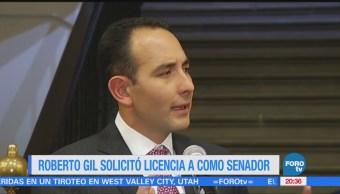Roberto Gil solicita licencia como senador