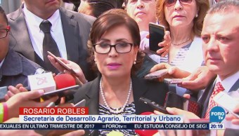 Rosario Robles se presenta en la PGR