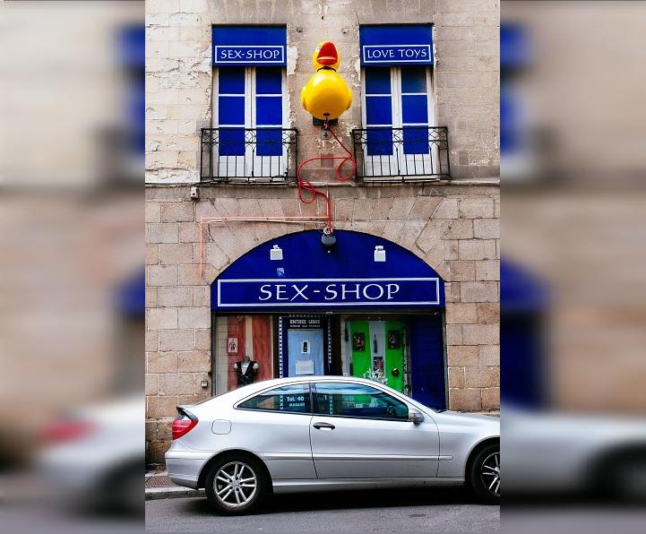 Un hombre robó juguetes sexuales bañados en oro avaluados en 20.000 euros