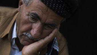 persona-sufriendo-sindrome-corazón-roto-riesgo-real-morir