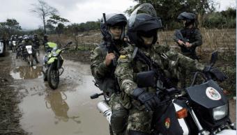 Soldados colombianos durante un patrullaje en la frontera con Venezuela