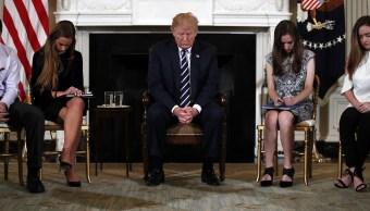 Trump apoya idea armar profesores masacre Florida