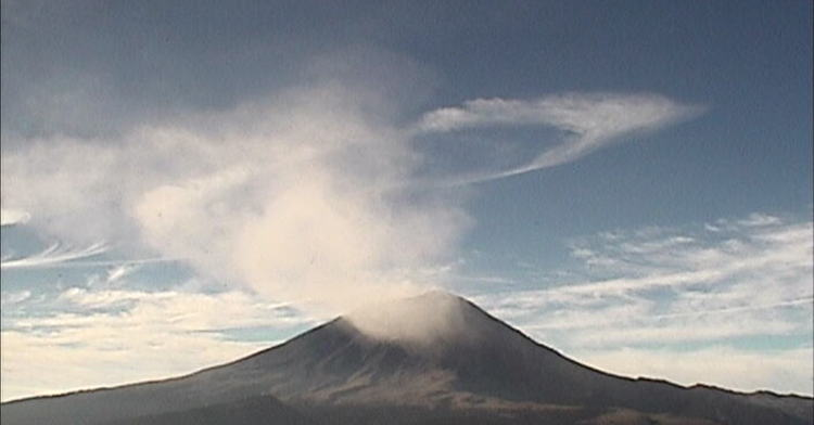 Volcán Popocatépetl emite 56 exhalaciones de baja intensidad