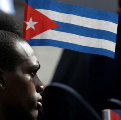 Cuba elige nuevos cargos en un intento por separar poderes