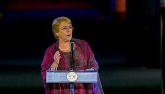 Víctimas de dictadura critican labor de Bachelet en derechos humanos