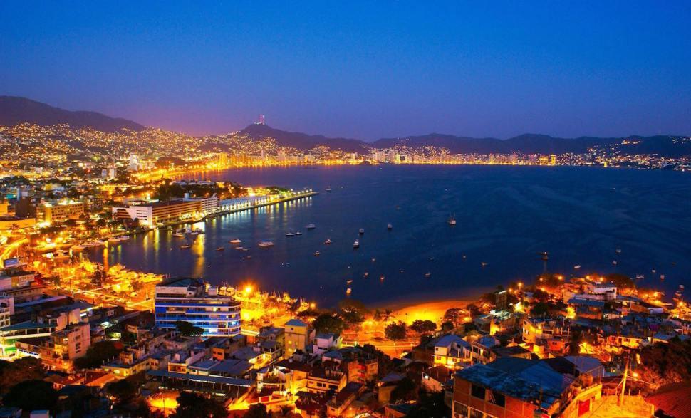 Acapulco por la noche
