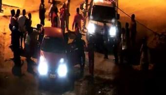 Vehículo embiste personas que jugaban bingo en calles ecuatorianas; hay 30 heridos