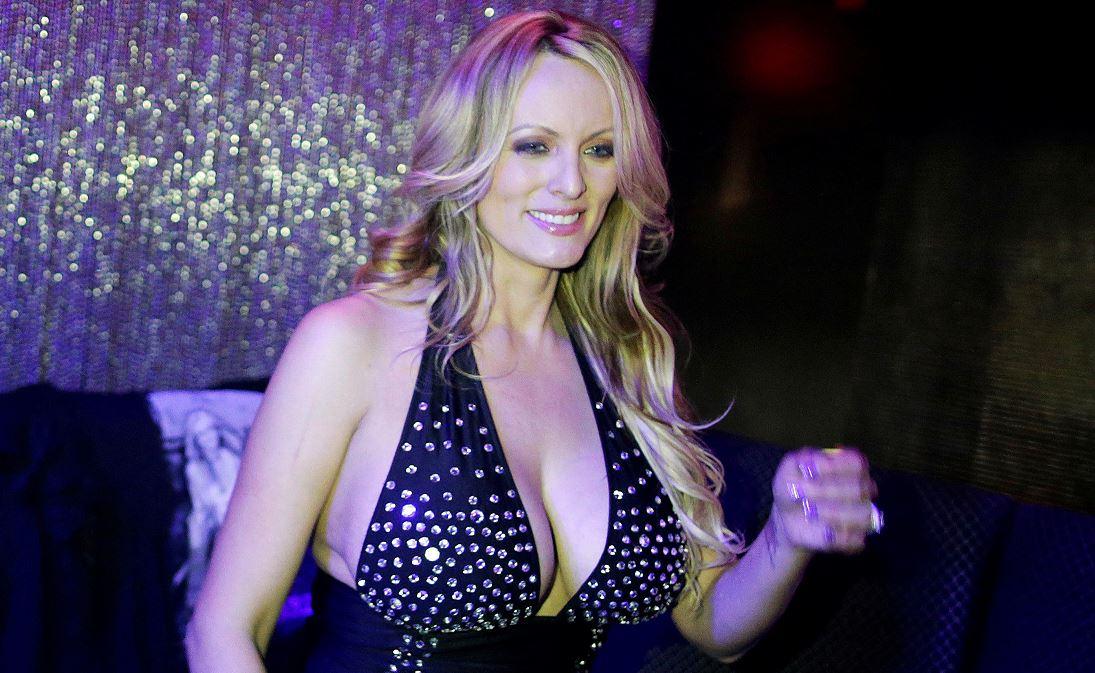 ONG pide indagar pago de Donald Trump a una actriz porno