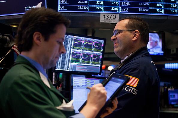 Wall Street cierra mixto y Dow Jones retrocede 0 62 ciento