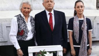 López Obrador se compromete a alcanzar crecimiento económico del 4% anual