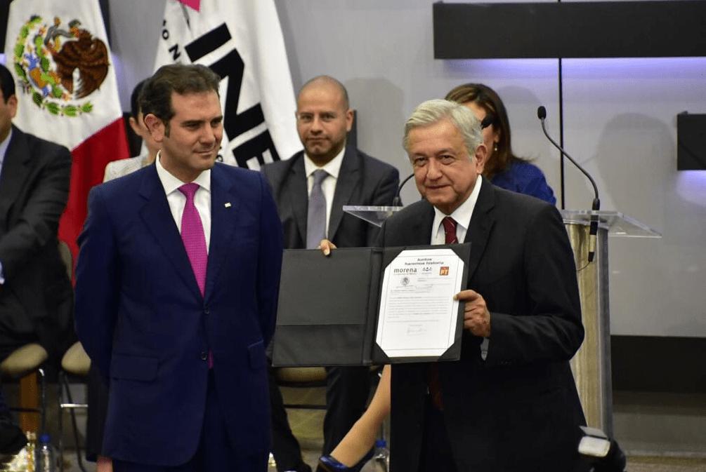 López Obrador está a favor de los candidatos independientes