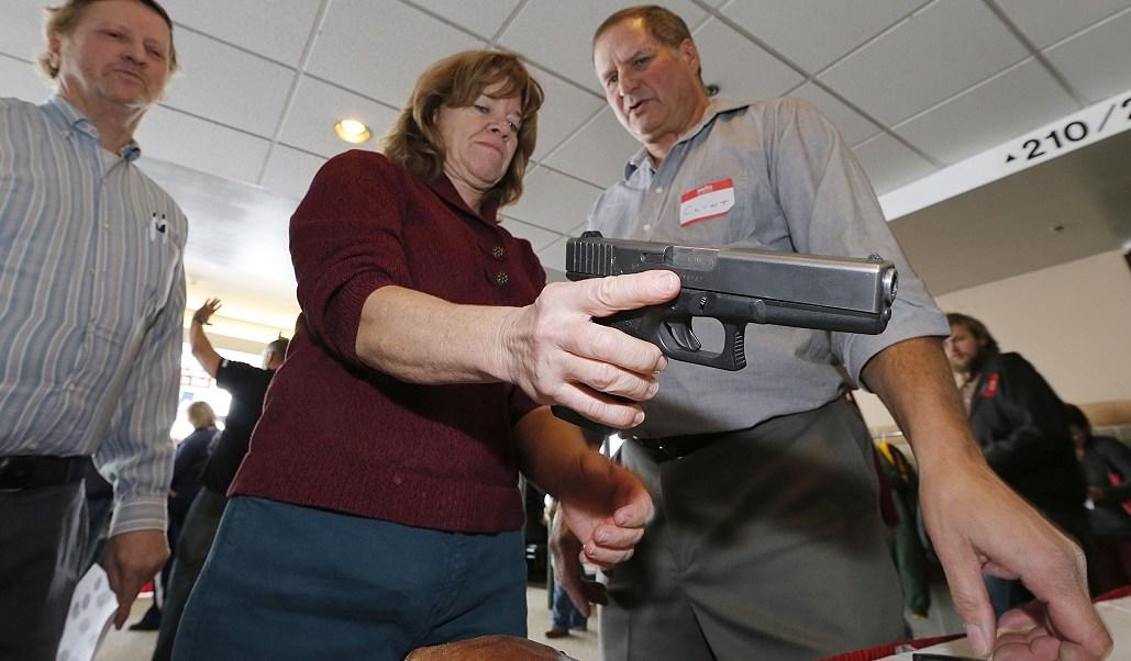 Donald Trump promete armar a maestros en escuelas de Estados Unidos