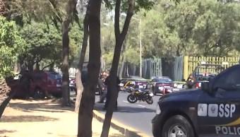 Mueren dos asaltantes tras robar una camioneta en San Juan de Aragón