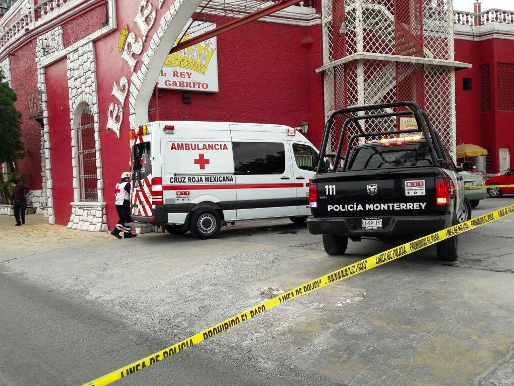 Asesinan a hombre en restaurante El Rey del Cabrito en Monterrey