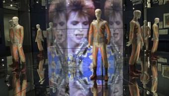 Museo de Brooklyn rinde homenaje a la vida de David Bowie