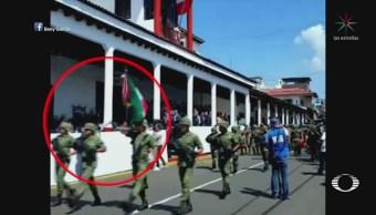 Caída de templete en MichoaCaída de templete en Michoacán deja siete lesionadoscán deja siete lesionados