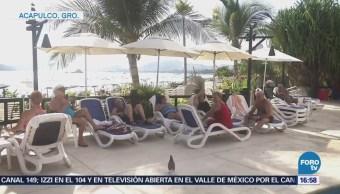 Canadienses concluyen vacaciones en Acapulco