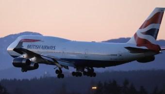 Cancelan más de 100 vuelos en Heathrow por nevada en Reino Unido