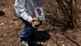 Amnistía Internacional dice que investigación del caso Iguala es deficiente . (AP)