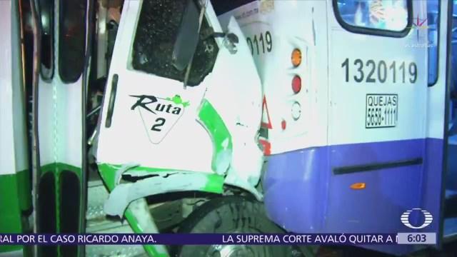 Choque en Paseo de la Reforma deja más de 30 lesionados